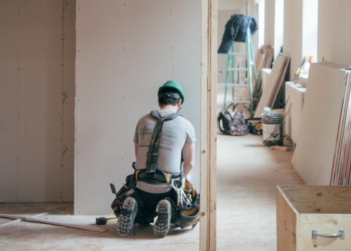 auxifina-comment-emprunter-efficacement-pour-vos-transformations-courtier-crédit-hypothécaire-bruxelles-liège-arlon-namur-charleroi-mons-mouscron