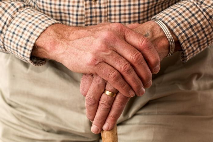 auxifina-lening-voor-gepensioneerde-mogelijkheden-kredietoplossing-hergroeperen-kredieten