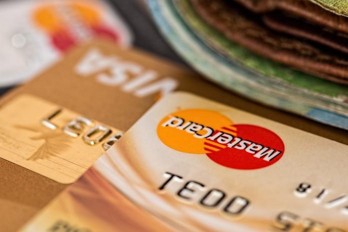 auxifina-problemen-met-kredietkaarten-hergroeperen-kredieten-oplossing-specialist