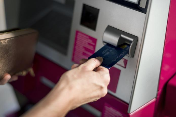 auxifina que coûte carte de credit visa american card mastercard payez moins cher regrouper credits prêt personnel