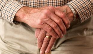 auxifina-prêt personnel retraité regroupement de crédits solution payer moins par mois